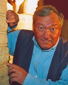 Erich-von-Daniken-photo.jpg